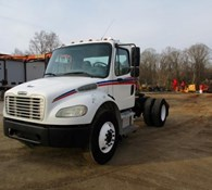 2005 Freightliner BUSINESS CLASS M2 106 Thumbnail 4