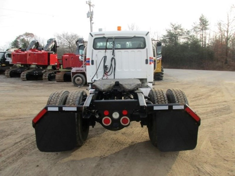 2005 Freightliner BUSINESS CLASS M2 106 Image 7
