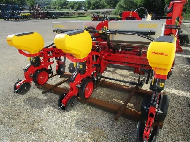 2017 MaterMacc 8200 3 Row Planter For Sale
