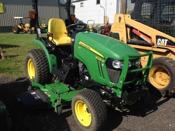 2014 John Deere 2025R Tractor For Sale