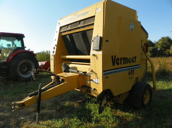 1998 Vermeer 605L Baler-Round For Sale