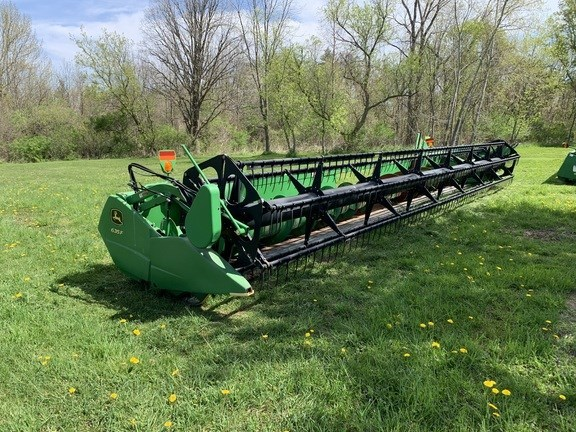 2011 John Deere 635F Combine Header-Auger/Flex For Sale