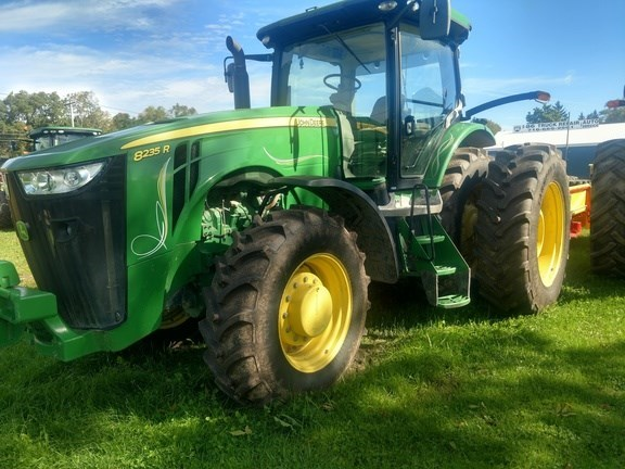 2014 John Deere 8235R Tractor For Sale