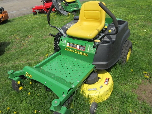 2011 John Deere Z225 Zero Turn Mower For Sale