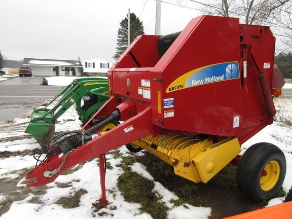 2016 New Holland BR7050 Baler-Round For Sale