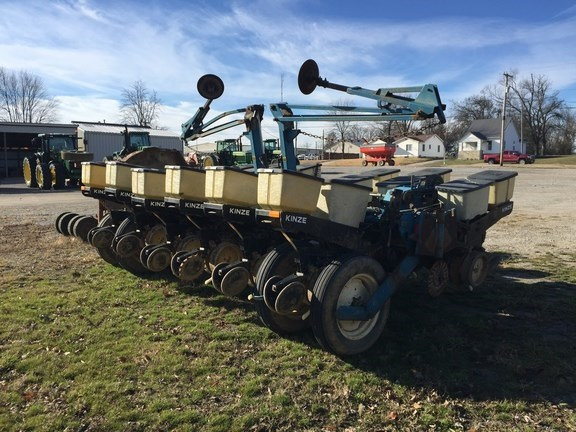 Kinze Ef Planter For Sale Wm Nobbe Co St Louis Missouri