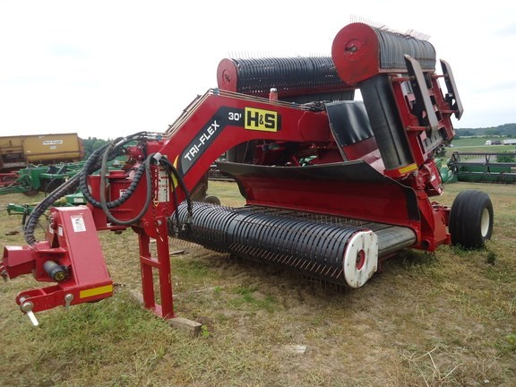 2013 H & S TFM2130 Hay Inverter For Sale