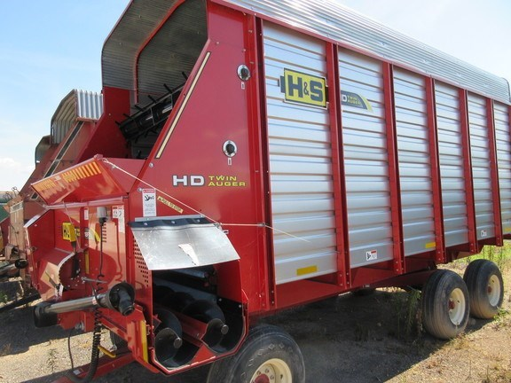 2015 H & S FBTA18 Forage Boxes and Blowers For Sale
