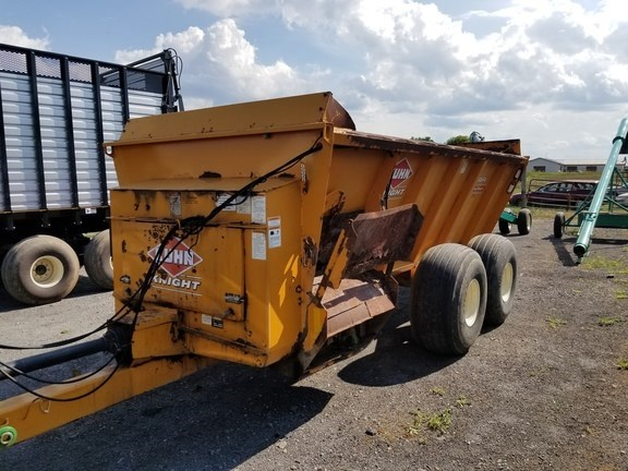 2003 Kuhn Knight 8124 Manure Spreader-Dry/Pull Type For Sale