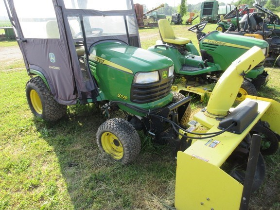 2011 John Deere X728 Lawn Mower For Sale