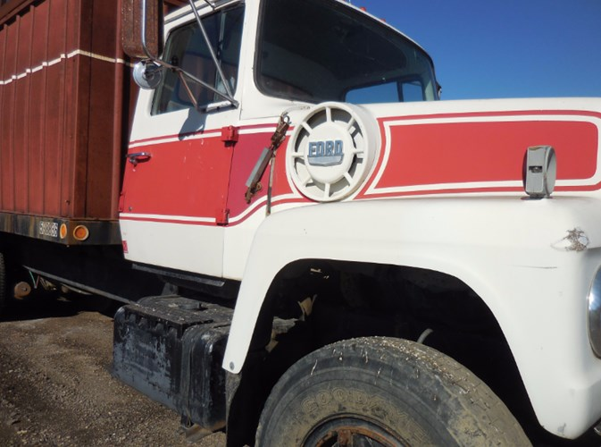 1974 Ford LN900 Grain Truck For Sale