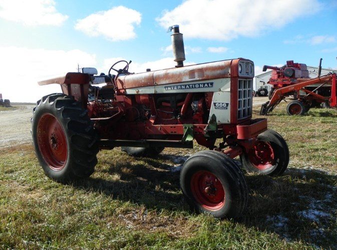 International 666 Tractor For Sale