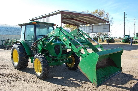2013 John Deere 5075E Tractor For Sale