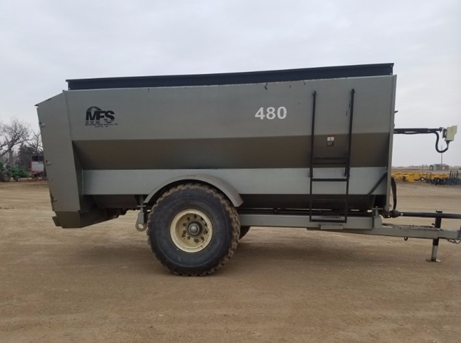 2011 Meyerink Farm Service MFS480 Feeder Wagon-Power For Sale