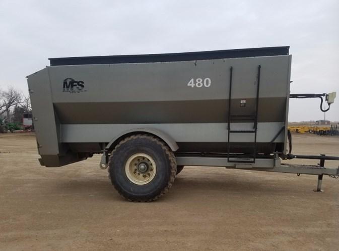 2011 Meyerink Farm Service MFS480 Feeder Wagon-Power For Sale