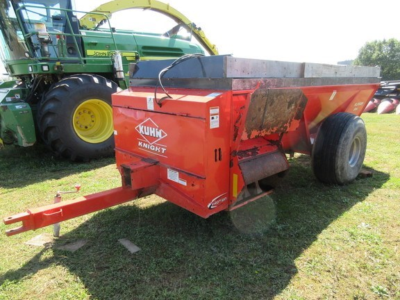 2016 Kuhn Knight 8114 Manure Spreader-Dry/Pull Type For Sale