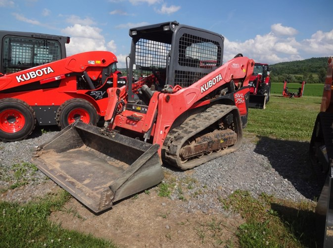 2017 Kubota SVL75-2W Skid Steer-Track For Sale