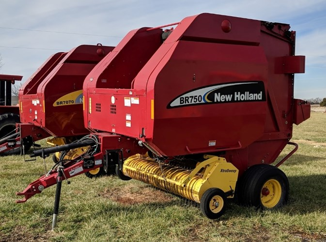 2005 New Holland BR750 Baler-Round For Sale