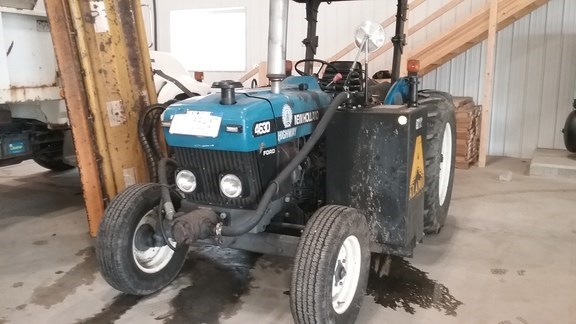 1999 New Holland 4630 Tractor For Sale