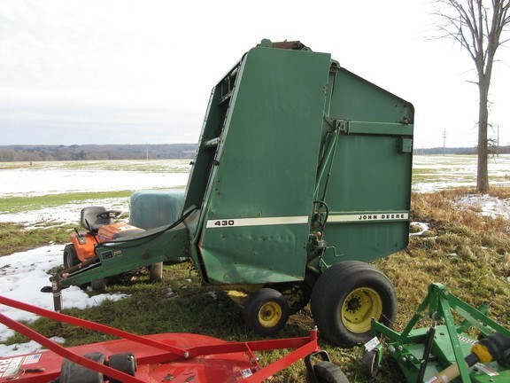 1987 John Deere 430 Baler-Round For Sale