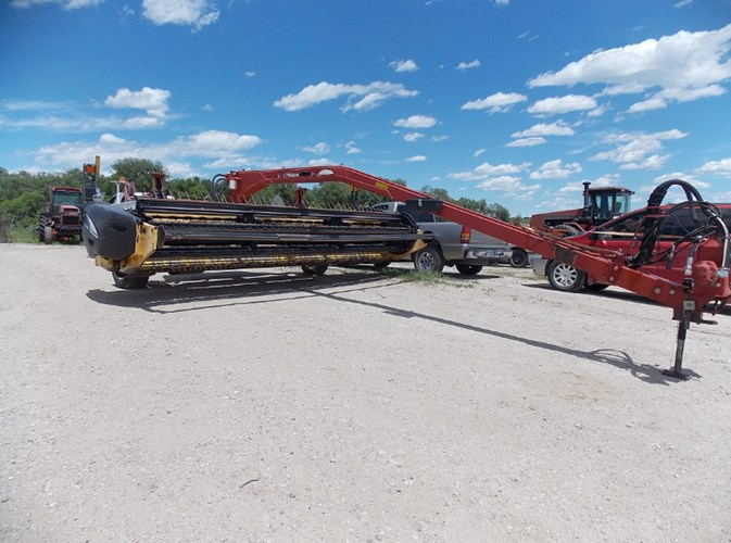 2006 New Holland 1475 Windrower-Pull Type For Sale