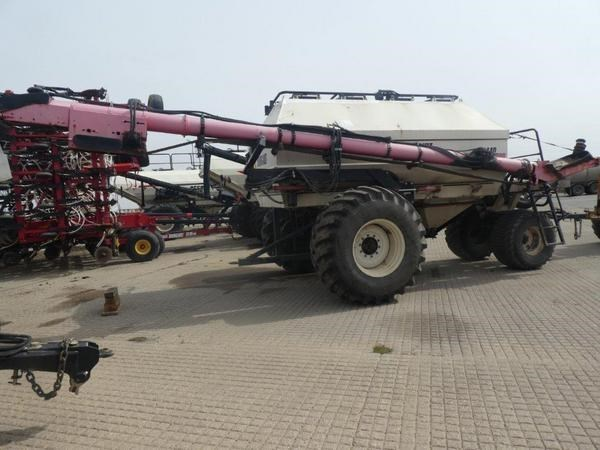 1999 Bourgault 5440 Image 4