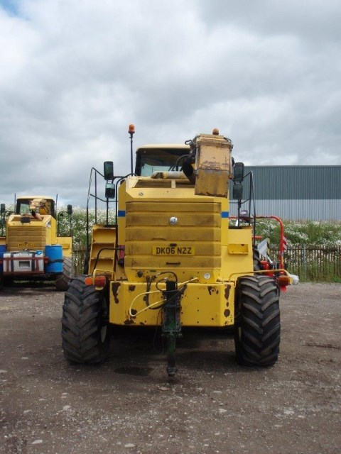 2006 New Holland FX60 4WD SPFH Image 6