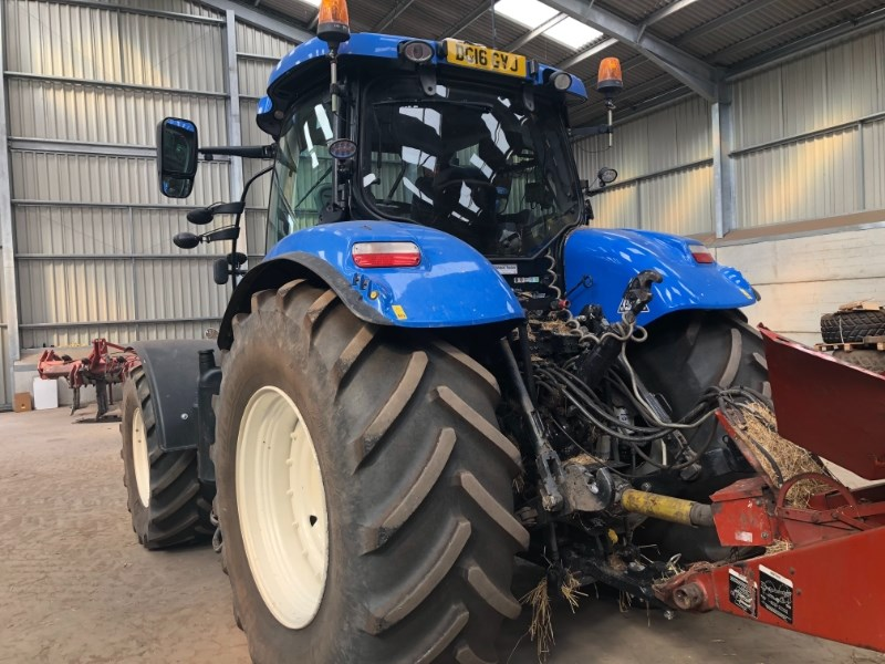 2015 New Holland T7.270 AUTO COMMAND S/WINDER Image 4