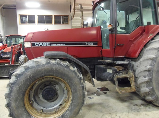 Case IH 7120 Tractor For Sale