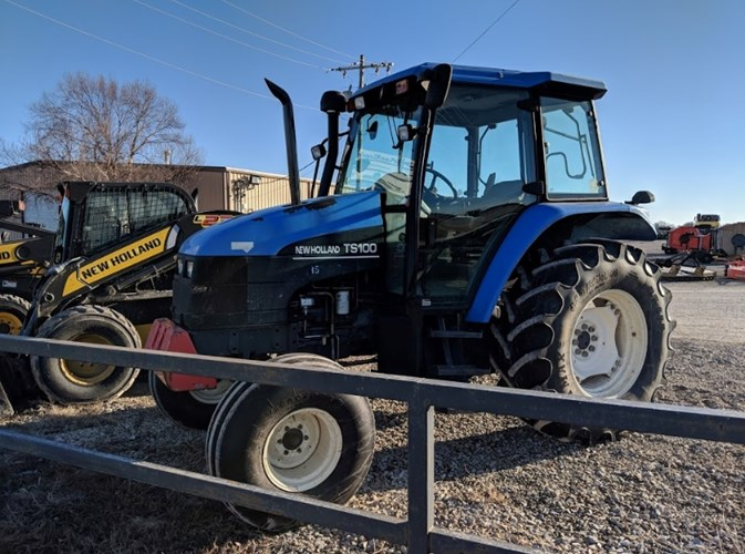 2002 New Holland TS100 Tractor For Sale