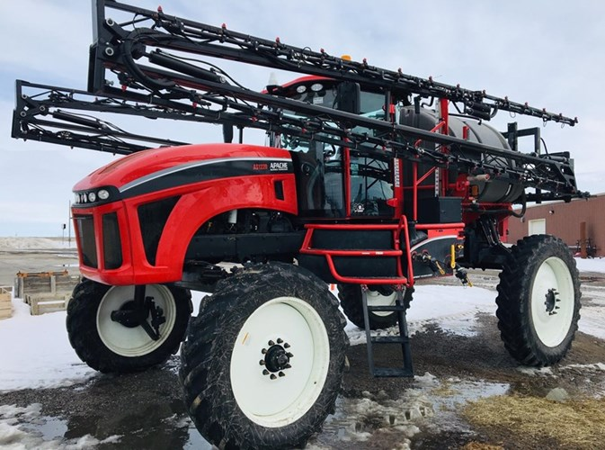 2017 Apache AS1220 Sprayer For Sale