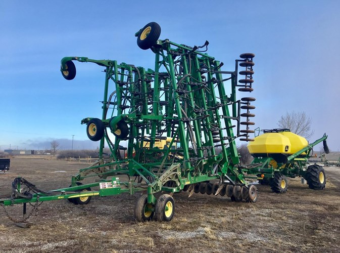 2009 John Deere 1830 Air Drill & 1910 Air Cart Air Drill For Sale