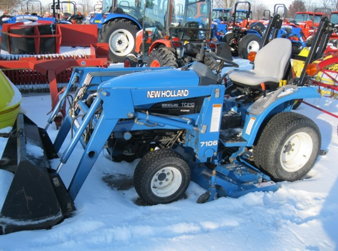 1999 New Holland TC21 Tractor For Sale