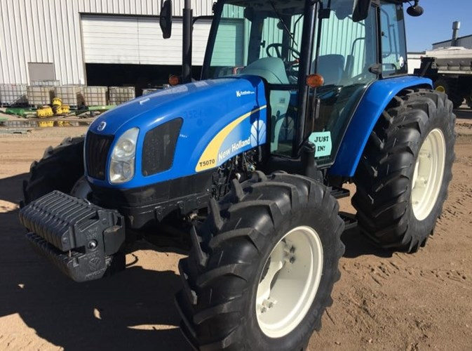 2011 New Holland T5070 Tractor For Sale