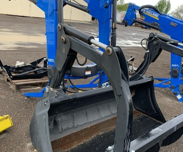 2016 New Holland 835TL Front End Loader Attachment For Sale