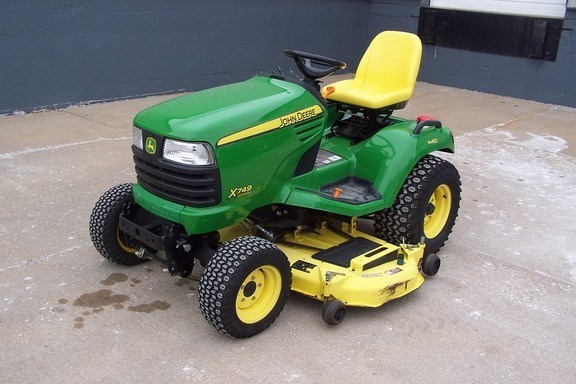 2010 John Deere X749 Riding Mower For Sale