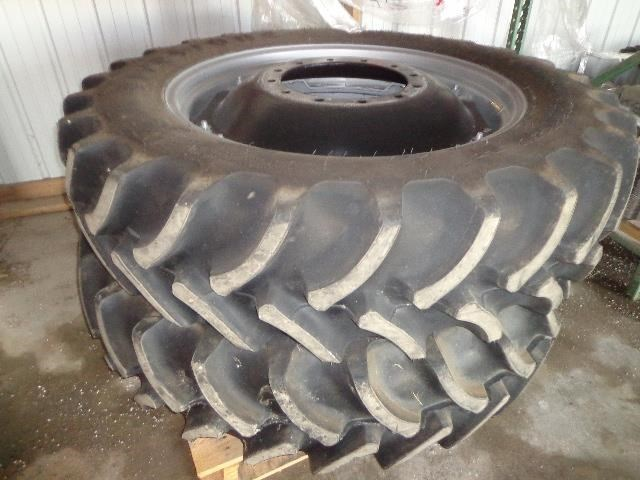 2015 Case IH Firestone 12 bolt rim w/380/80 R38  Wheels and Tires For Sale