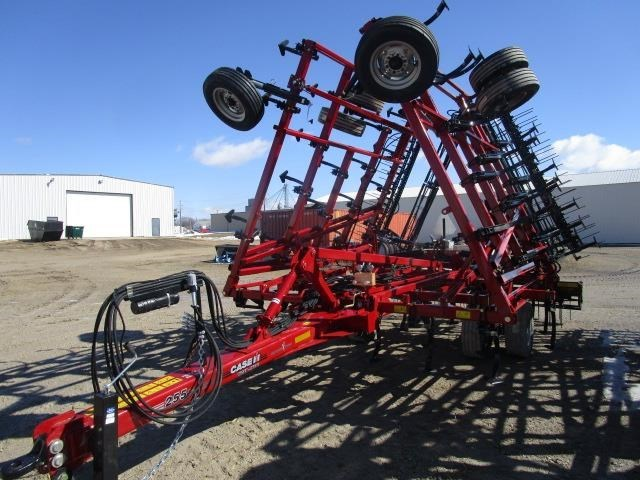 2019 Case IH TIGER-MATE 255:-11.0  32 ft. FOOT MF:-CONSTNT:-Sin Field Cultivator For Sale