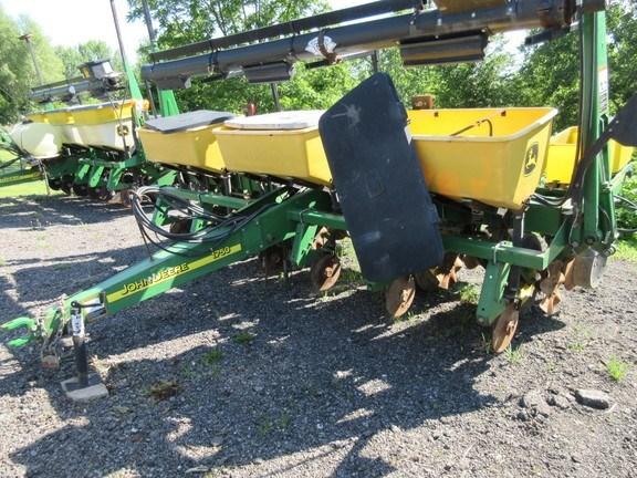 2002 John Deere 1750 Planter For Sale