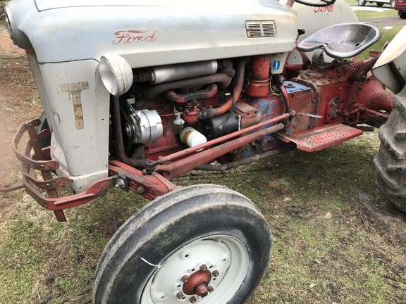 1957 Ford 640 Image 2