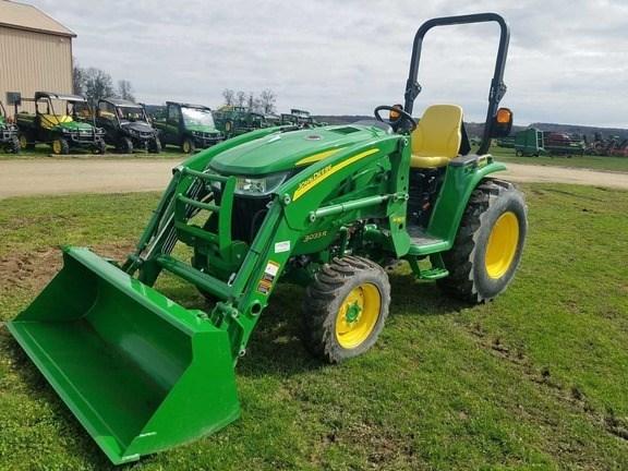 2017 John Deere 3033R Tractor For Sale