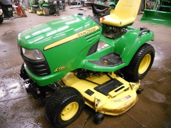 2008 John Deere X720 Lawn Mower For Sale