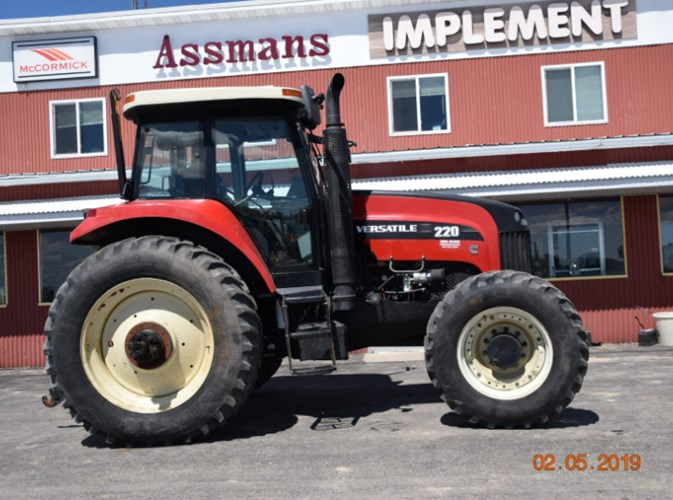2010 Versatile 220 MFD Tractor For Sale