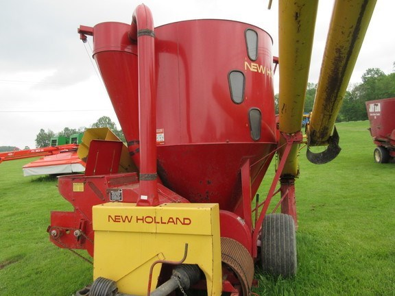 1977 New Holland 355 Grinder Mixer For Sale