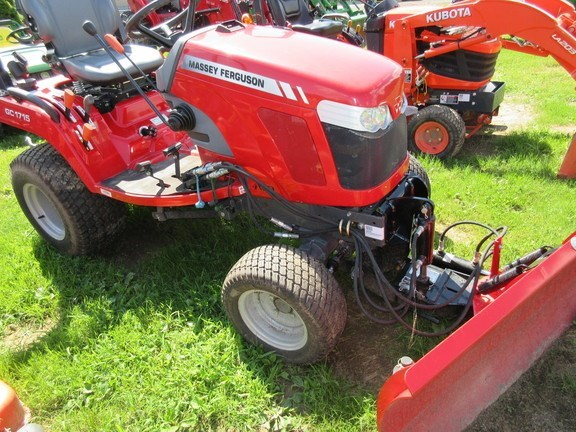 2017 Massey Ferguson GC1715 Tractor For Sale