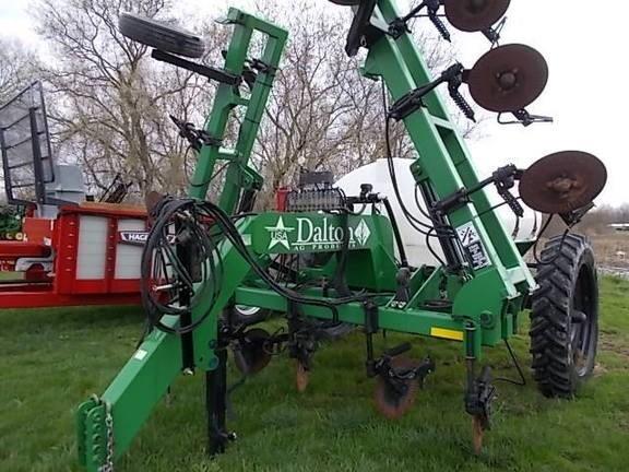 2016 Dalton DLQ27 Fertilizer Spreader For Sale