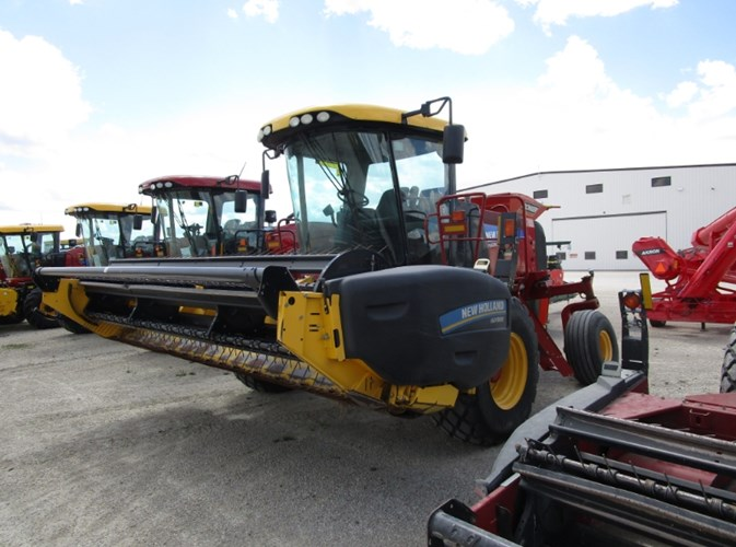 2014 New Holland SPEEDROWER 130 Windrower-Self Propelled For Sale