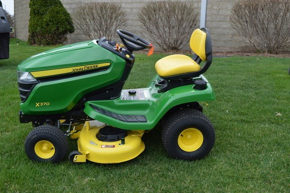 2018 John Deere X370 Riding Mower For Sale 187 Roeder