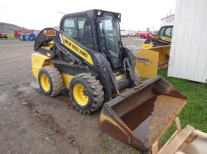 2011 New Holland L225 Skid Steer For Sale
