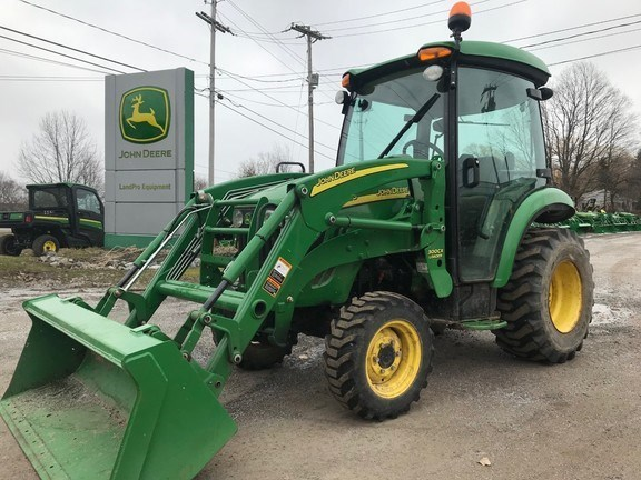 2009 John Deere 3320 Tractor - Compact Utility For Sale
